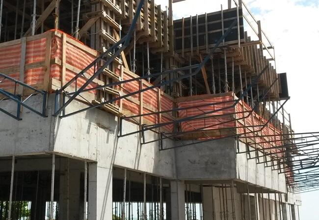 Plataforma de Proteção para Obras